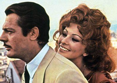 Sophia Loren in Matrimonio all'italiana con Parrucca Rocchetti