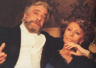 Giancarlo Giannini e Sofia Loren con parrucche Rocchetti