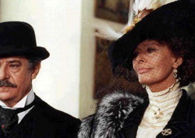 Sofia Loren in Francesca e Nunziata con parrucche Rocchetti