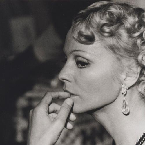 Ingrid Thulin in La caduta degli dei di Visconti . Parrucche Rocchetti-Rocchetti