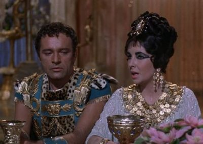 Liz Taylor  e Richard Burton in Cleopatra con le parrucche Rocchetti