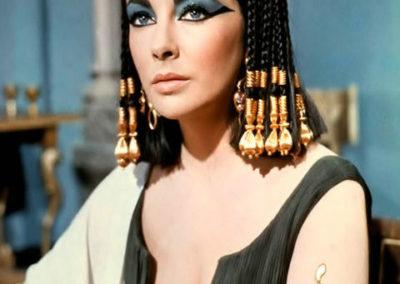 Liz Taylor in Cleopatra con le parrucche Rocchetti