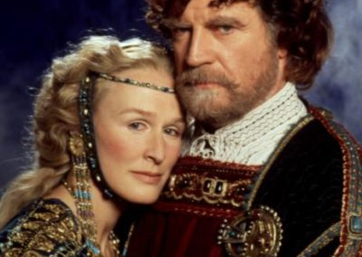 Glenn Close e Alan Bates in Amleto