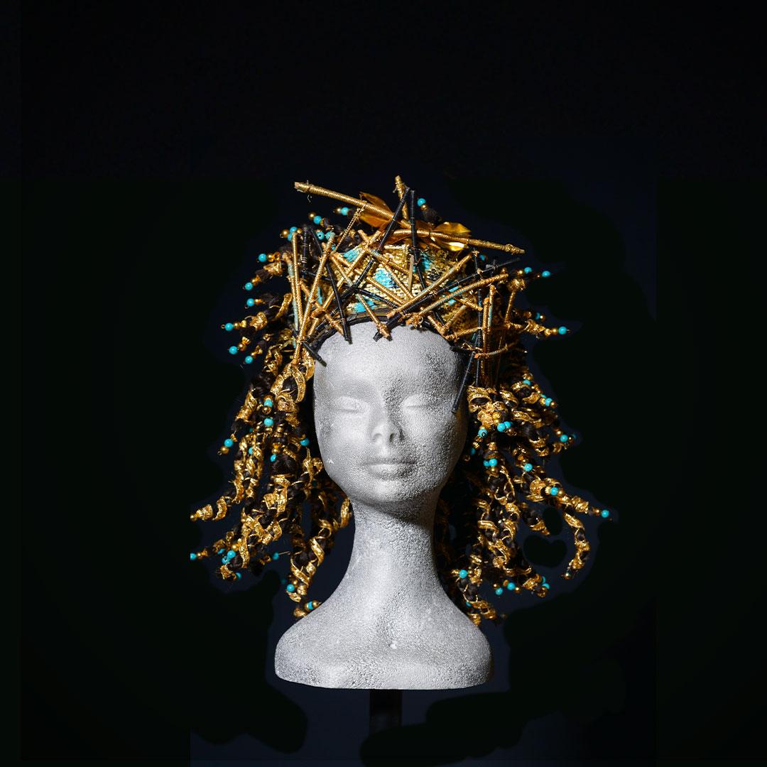 Parrucca Egitto con decorazioni dorate