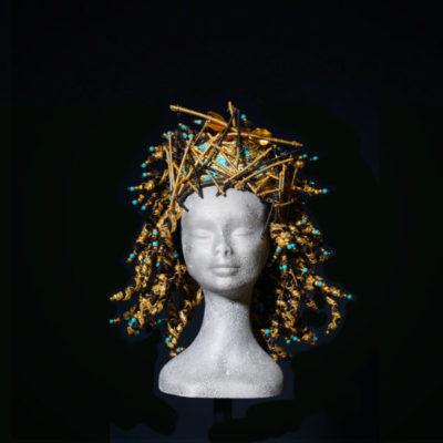 Parrucca Egitto con decorazioni dorate realizzate da Rocchetti&Rocchetti