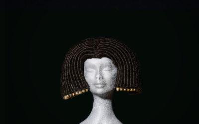 Parrucca Cleopatra con decorazioni in ottone