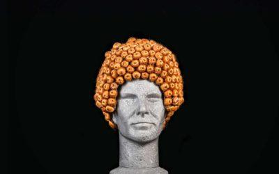Parrucca con palline rivestite
